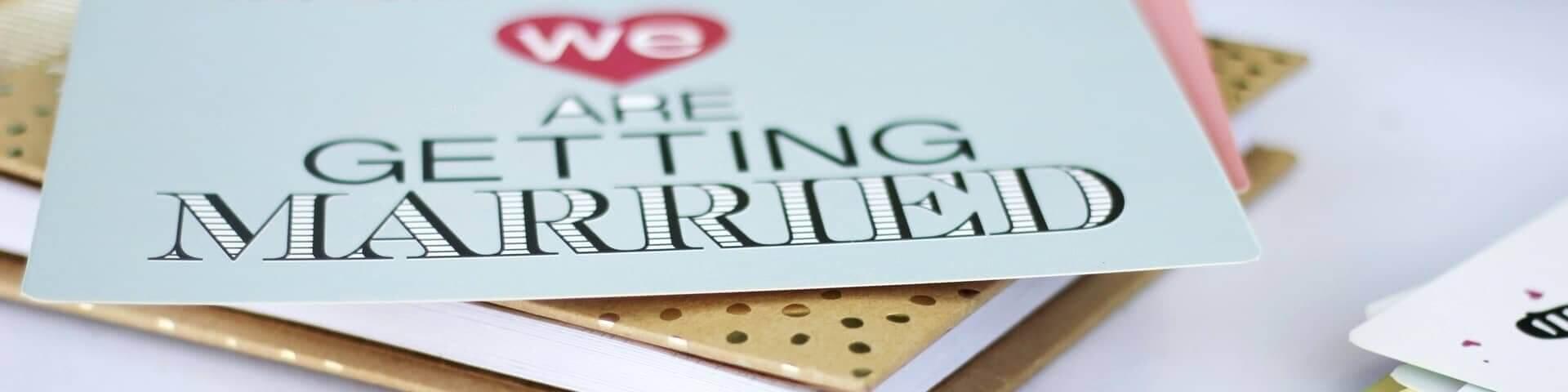 Wie Sie Ihre Hochzeitskarte gestalten